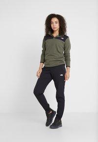 The North Face - QUEST PANT SLIM - Pantalones montañeros largos - black - 1
