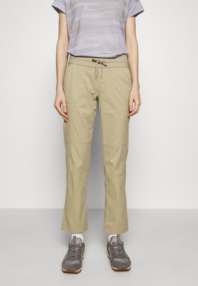 WOMEN'S APHRODITE PANT - Friluftsbyxor - twill beige