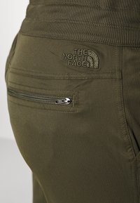 The North Face - WOMEN'S APHRODITE PANT - Pantalones montañeros largos - new taupe green - 5