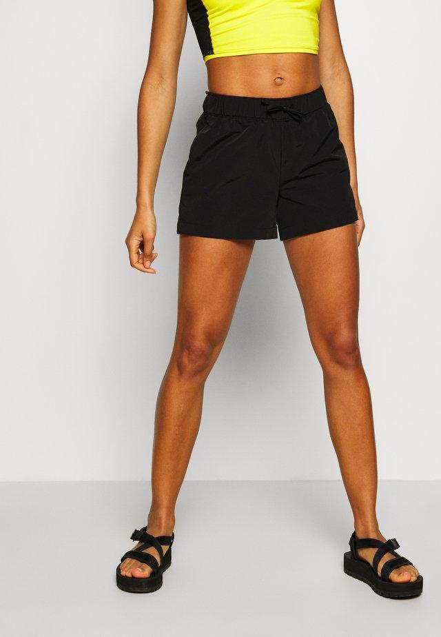 WOMENS CLASS - Friluftsshorts - black