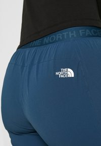The North Face - WOMEN'S LIGHTNING TECH PANT - Pantalones montañeros largos - blue wing teal/urban navy - 3