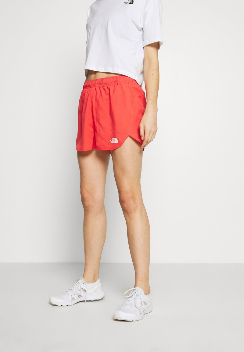 The North Face - WOMEN'S ACTIVE TRAIL RUN SHORT - Korte sportsbukser - cayenne red