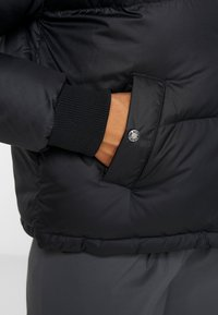 The North Face - PARALTA PUFFER - Doudoune - black - 4