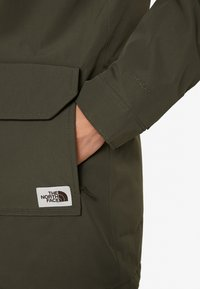 The North Face - INSULATED ARCTIC MOUNTAIN JACKET - Halflange jas - new taupe green - 6