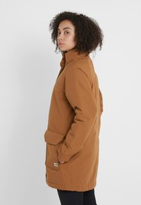 The North Face - INSULATED ARCTIC MOUNTAIN JACKET - Cappotto corto - chipmunk brown - 3