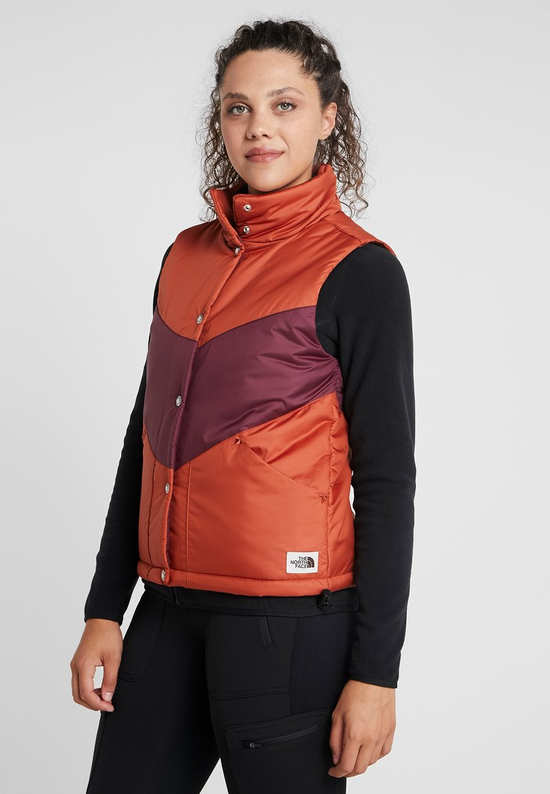 The North Face - SYLVESTER VEST - Waistcoat - picante red/deep garnet red