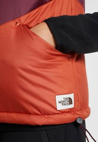 The North Face - SYLVESTER VEST - Waistcoat - picante red/deep garnet red - 3