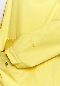 The North Face - WOMENS WOODMONT RAIN JACKET - Outdoorjas - bamboo yellow - 6