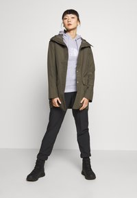 The North Face - WOMENS WOODMONT RAIN JACKET - Hardshell jacket - new taupe green - 1