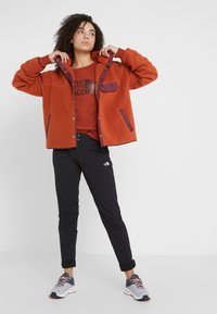 The North Face - CRAGMONT JACKET - Fleece jacket - picante red/deep garnet red