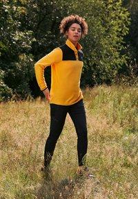 The North Face - GLACIER SNAP NECK  - Fleecegenser - yellow/black - 4