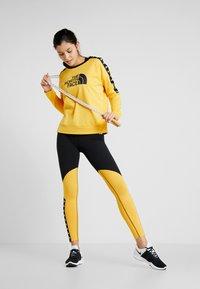 The North Face - CREW - Bluza - yellow - 1