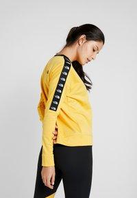 The North Face - CREW - Bluza - yellow - 2