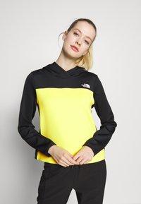The North Face - WOMENS ACTIVE TRAIL SPACER - Treningsskjorter - black/lemon - 0