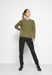 The North Face - WOMENS GLACIER CREW - Fleece trui - burnt olive green - 1