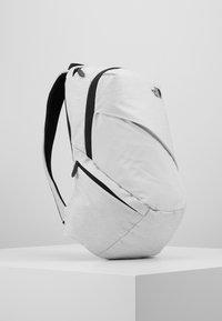 The North Face - WOMENS ELECTRA 11 - Rucksack - white metallic melange/black - 2