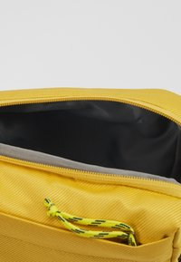 The North Face - FIELD BAG - Across body bag - yellow/blue/teal - 5