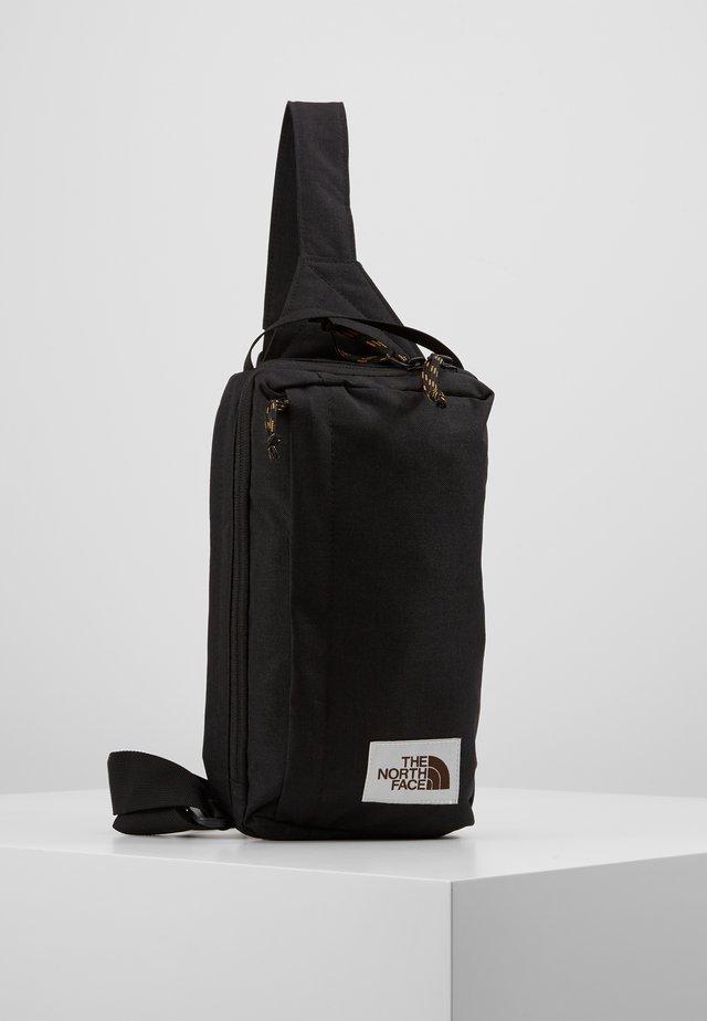 FIELD BAG - Torba na ramię - black heather