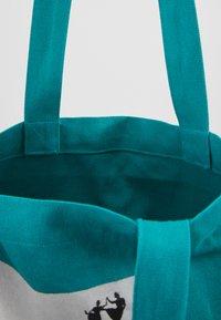 The North Face - WOMAN DAY BAG - Sportovní taška - jaiden green - 3