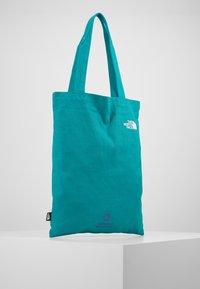 The North Face - WOMAN DAY BAG - Sportovní taška - jaiden green - 2