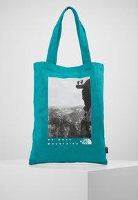 The North Face - WOMAN DAY BAG - Sportovní taška - jaiden green - 0