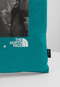 The North Face - WOMAN DAY BAG - Sportovní taška - jaiden green - 5