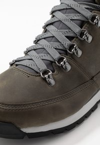 The North Face - BACK TO BERKELEY REDUX - Śniegowce - zinc grey/ebony grey - 5
