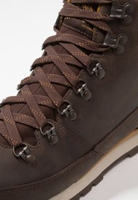 The North Face - BACK TO BERKELEY REDUX - Winter boots - chocolate brown/golden brown - 5