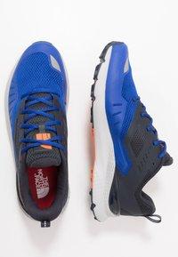 The North Face - MEN'S ROVERETO - Obuwie do biegania Szlak - blue/flag blue - 1