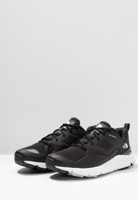 The North Face - MEN'S ROVERETO - Vaelluskengät - black/white - 2