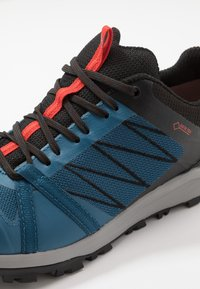 The North Face - LITEWAVE FASTPACK II GTX - Chaussures de marche - moroccan blue/black - 5