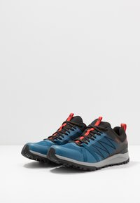The North Face - LITEWAVE FASTPACK II GTX - Chaussures de marche - moroccan blue/black