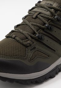 The North Face - Obuwie hikingowe - new taupe green/black - 5