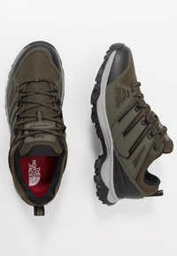 The North Face - Obuwie hikingowe - new taupe green/black - 1