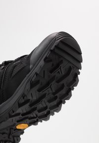 The North Face - Hiking shoes - black/dark shadow grey - 5