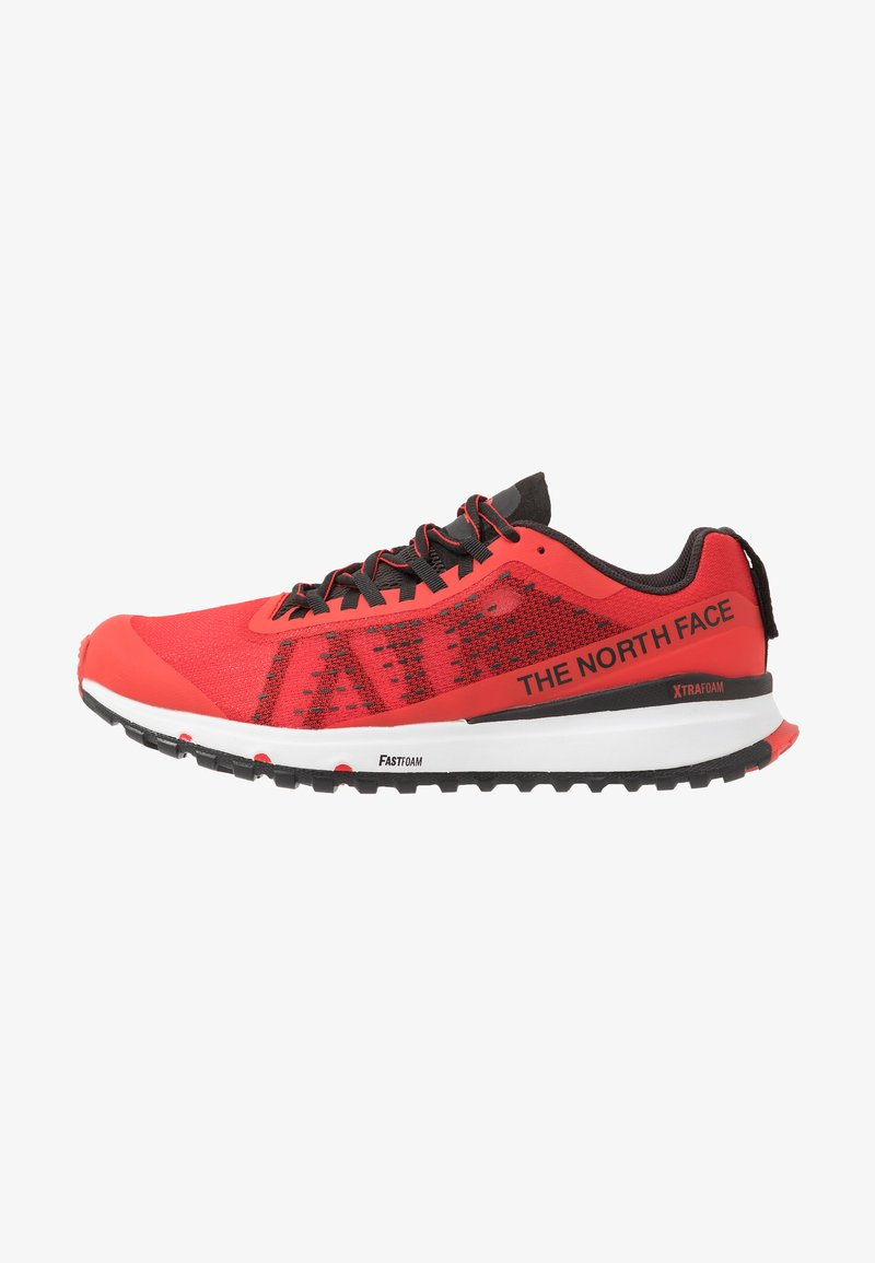 The North Face - MEN'S ULTRA SWIFT - Obuwie do biegania Szlak - fiery red/black