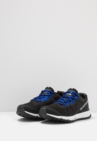 The North Face - MEN'S ULTRA SWIFT - Scarpe da trail running - black/blue - 2