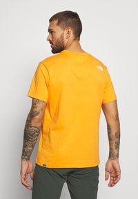 The North Face - MENS SIMPLE DOME TEE - Basic T-shirt - flame orange - 2