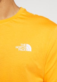 The North Face - MENS SIMPLE DOME TEE - Basic T-shirt - flame orange - 4