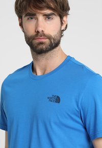 The North Face - MENS SIMPLE DOME TEE - Basic T-shirt - bomber blue - 4