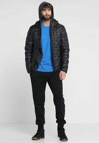 The North Face - MENS SIMPLE DOME TEE - Basic T-shirt - bomber blue - 1