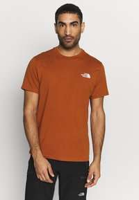The North Face - MENS SIMPLE DOME TEE - T-shirts - caramel cafe - 0