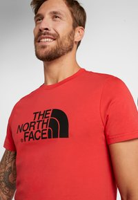 The North Face - MEN'S EASY TEE - T-Shirt print - red/black - 5