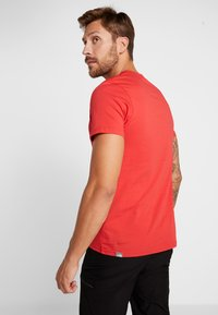 The North Face - MEN'S EASY TEE - T-Shirt print - red/black - 2