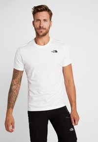 The North Face - RED BOX TEE - T-shirt con stampa - white/british khaki - 0