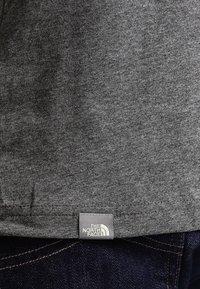 The North Face - MEN'S REDBOX TEE - T-shirt print - mottled grey - 5