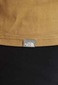 The North Face - RAGLAN EASY TEE  - Printtipaita - british khaki - 6