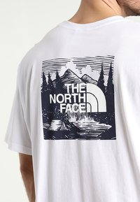 The North Face - CELEBRATION TEE - T-shirts print - wh/navy