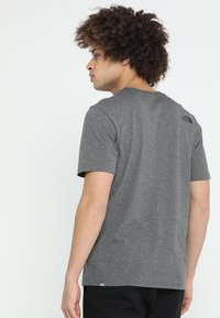 The North Face - Print T-shirt - med grey heather - 2