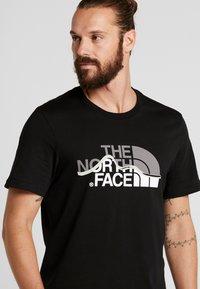 The North Face - MOUNTAIN LINE TEE - T-shirt imprimé - black - 4